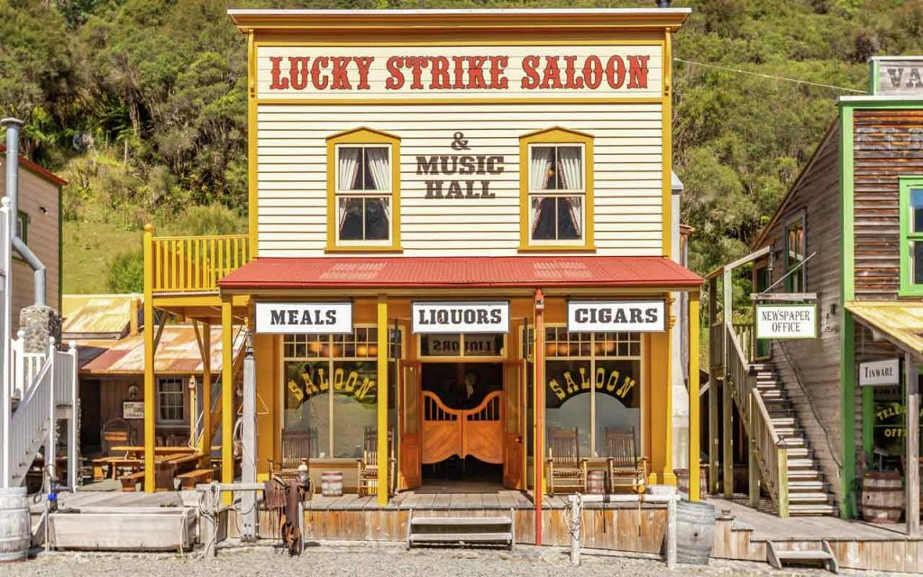 Wild West town New Zealand Mellons Folly Saloon