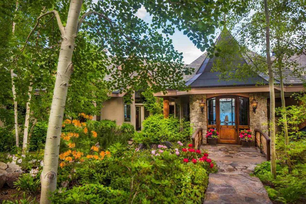 Crystal Pointe Lake Tahoe Dream Home front entrance